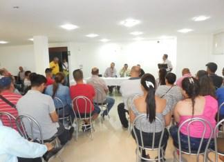 Aspecto de la reunión en donde la jueza explicó las deficiencias que tiene la justicia en el municipio de Fonseca.