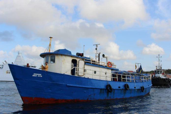 El barco 'Samurai' zarpó desde Puerto Nuevo localizado en el municipio de Uribia, con 60 toneladas de productos que cosechan los campesinos de La Guajira.