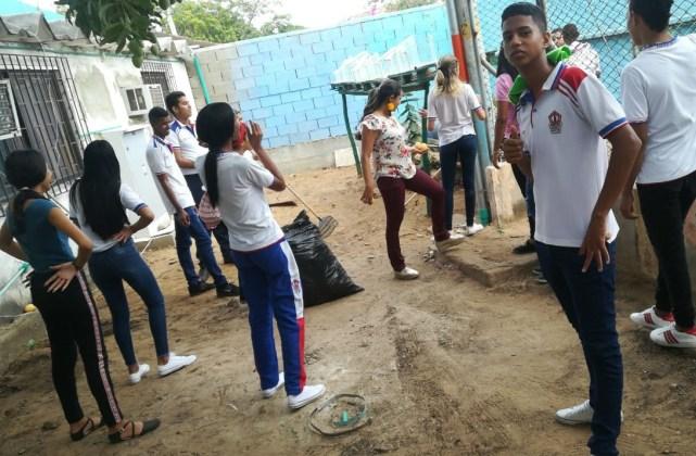 En la jornada participaron alrededor de 120 estudiantes