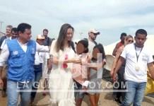 La actriz norteamericana Angelina Jolie recorrió este sábado el Centro de Atención Integral de migrantes localizado en la ciudad de Maicao.