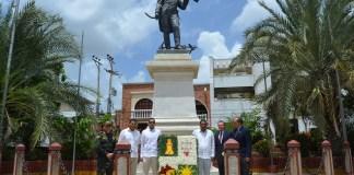 Con una ofrenda floral al busto del Almirante Jose Prudencio Padilla, se conmemoraron los 54 años de La Guajira.