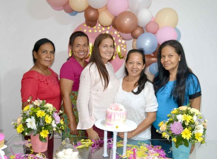 Con Yudis Espitia, Lisandra Rebolledo, Rosa Fragozo y Denis Matute.