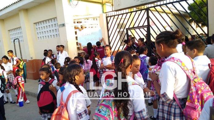 La manifestación que protagonizaron los estudiantes del colegio Sagrado Corazón del grado 11 en el municipio de Manaure.