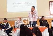 La población venezolana, está migrando para los municipios del sur de La Guajira, afirma comandante de Policía en La Guajira. Instantes cuando el alcalde de Fonseca, se dirige a los asistentes.