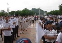 Con tapabocas los estudiantes de San Juan del Cesar, protestaron por la muerte de universitario, hecho de sangre que ocurrió el pasado viernes.