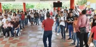 Estudiantes de la UniGuajira protestaron ante la falta de pago de parte de la Gobernación.