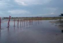 La playa de Mayapo, comenzó a ser inundada por el Mar, por posible el ciclón tropical que estaría afectando a La Guajira.