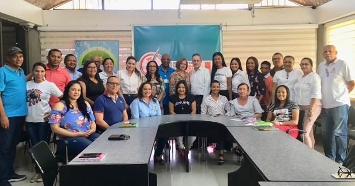 Personal directivo de la UniGuajira después de recibir la información, en donde le fue muy bien al claustro educativo.