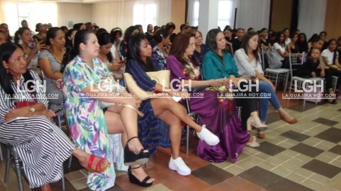 Aspecto de las dos samarias en Riohacha, cuando representaron su fusión con la artesanía guajira.