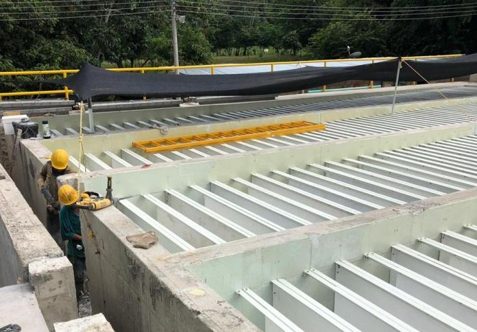 Esta obra se ejecuta actualmente con recursos de Cerrejón y se pretende que el Distrito disponga de 100 litros más de agua para entregarle a los riohacheros