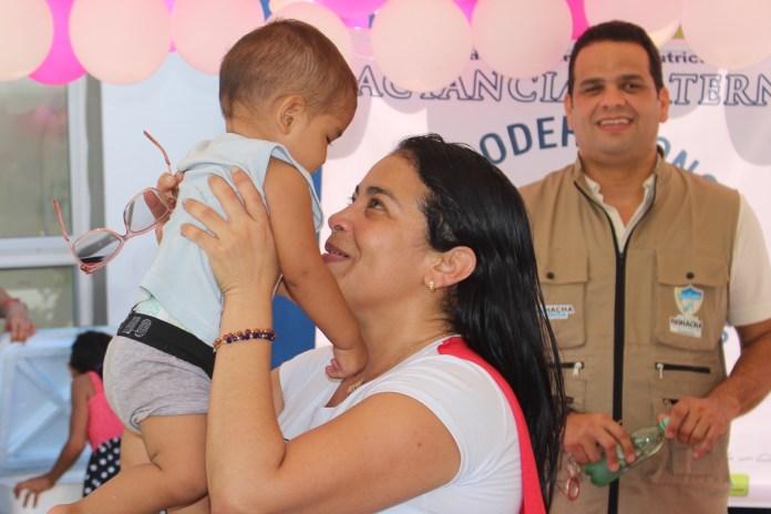 Una gran alegría se les observó a los niños, a quienes la administración distrital le festejó el Día del Niño.