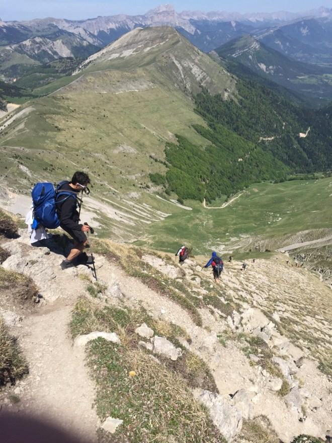 Descente vers col de Seysse (avec Mont Barral au fond)