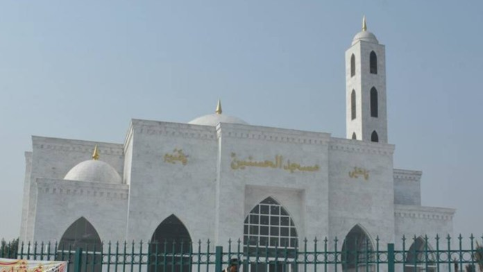 mosque in Faisalabad