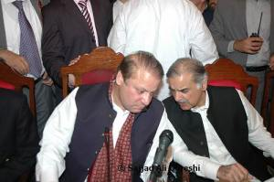 Nawaz Sharif and Shahbaz Sharif are dicussing some matters