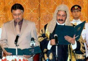 CJP is adminstrating oath from Pervaiz Musharraf