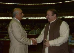 Islamabad  26th February, 2014 Prime Minister Muhammad Nawaz Sharif  shakehand with leader of opposition khursheed shah