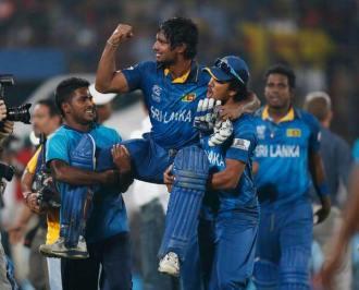 Lankan players shown great respect to their star batsman Sangakara