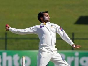 muhammad hafeez bowling action