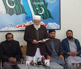 Liaqat Baloch is taking oath for Ameer -e-Jamaat