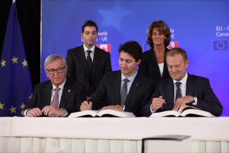 canada-and-eu-sign-historic-trade-agreement-during-eu-canada-summit