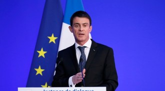 "French Prime Minister Manuel Valls delivers a speech during a meeting on ""deradicalisation"" with French Muslim community representatives in Paris"