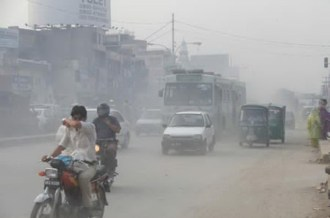 a-very-thick-toxic-blanket-of-pollutants-covers-lahore