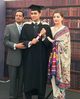 Muhammad Junaid Safdar and his proud parents