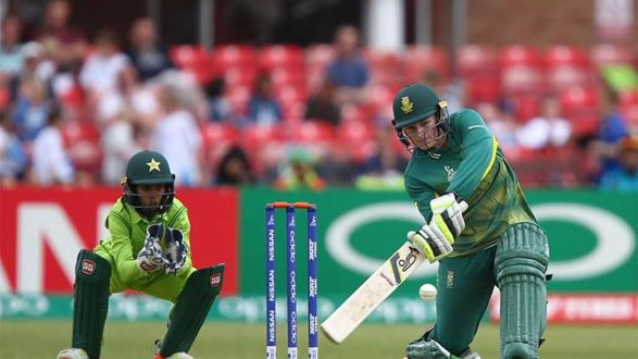 South Africa beat Pakistan by three wickets