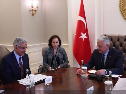 Kh Asif calls on Turkish Prime Minister in Ankara