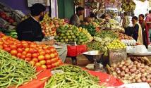 Chief Minister notice increasing price of onion & tomatoes