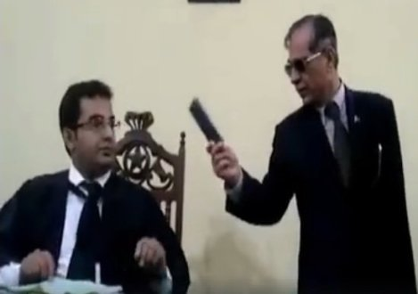 Additional session judge Larkana resigns over CJP's humiliating behaviour