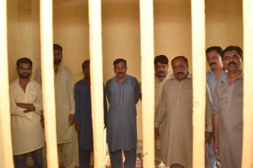 Vehari police arrest 8 including 6cops for torture on a maid