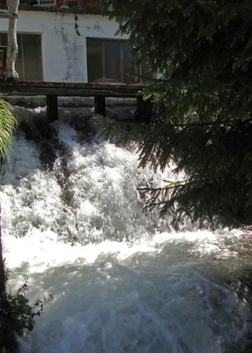 Laines Paysannes Les eaux de la rivière de Vicdessos