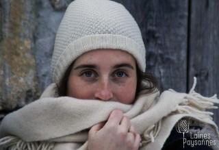 Laines Paysannes ensemble bonnet et écharpe blanc pour femme en laines locales
