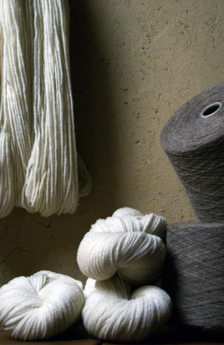 Laines Paysannes gamme de fils et pelotes en laines locales
