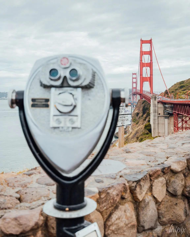 Fernglas mit Golden Gate Brücke im Hintergund