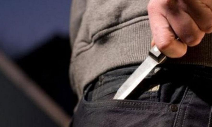 Plagoset me thikë një 17-vjeçar në Sukth