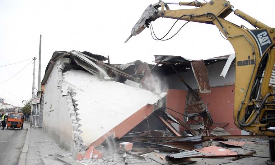 Bashkia: Shkon në mbi 20 numri i ndërtimeve pa leje të prishura