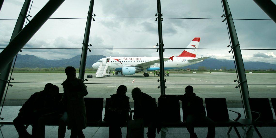 Shtohet fluksi i udhëtarëve/ Sugjerimi i Tirana International Airport: Paraqituni në aeroport 3 orë para udhëtimit