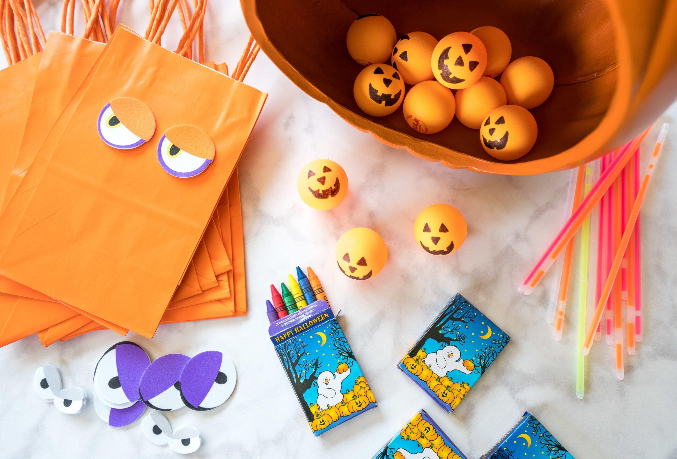 Halloween battle of the balloons. 6 Fun Toddler Halloween Games And Activities Kids Parties La Jolla Mom