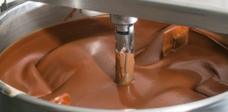 machine-mixing-chocolate-factory