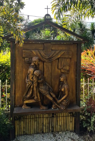Garden of the Stations of the Cross: Jesus dies on the Cross