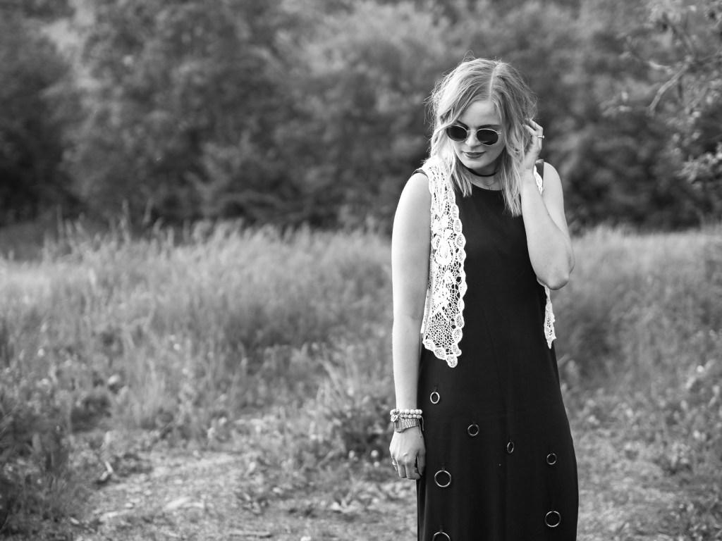 Boho Style, Streetlook, Festivallook, Boots, schwarzes Kleid, Lakatyfox, Fashionblogger