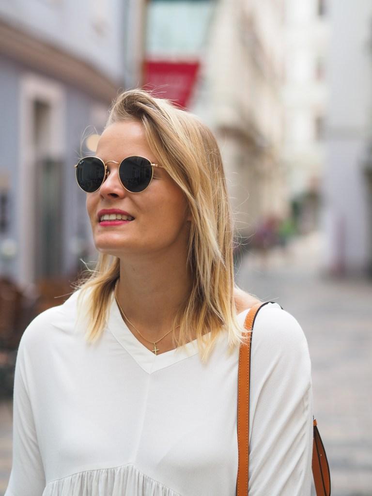 Weißes Kleid, white Dress, Summerlook, fashion, fashionblogger, mcm bag, streetstyle, espadrilles, blond, lakatyfox, blogger,