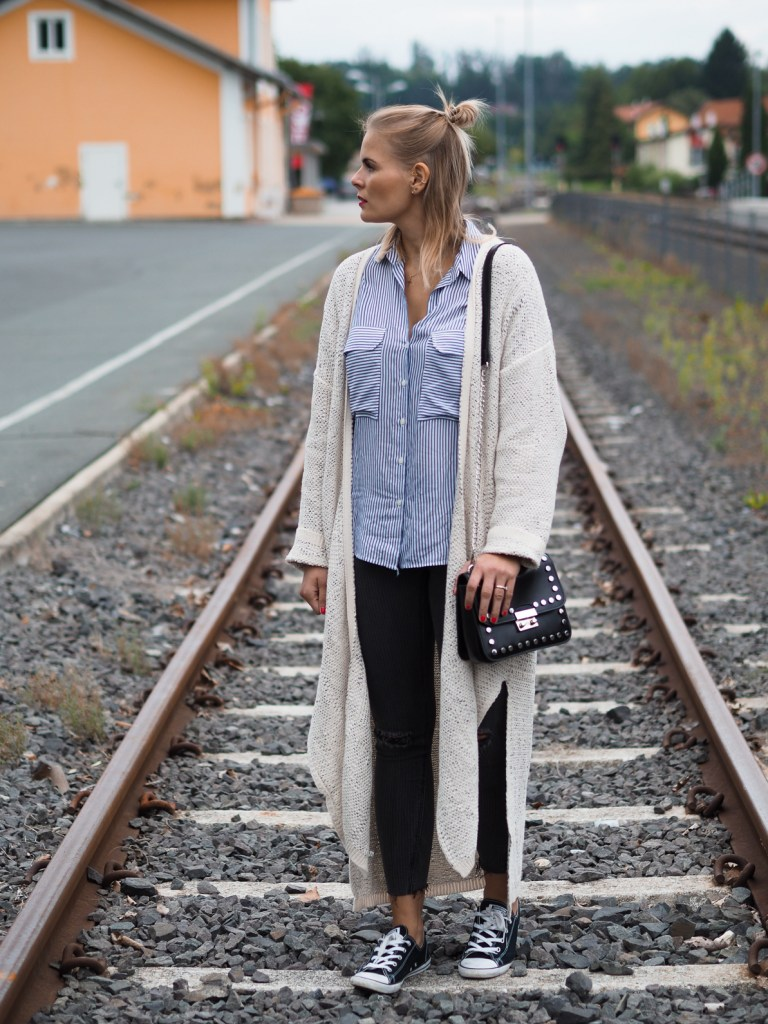 Long Cardigan, Streetstyle, Fashion, Herbstlook, Converse, Skinny Jeans, Blond, Lakatyfox, Fashionblogger,