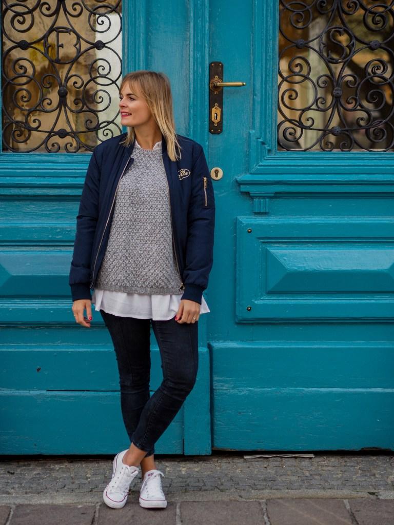 Bomberjacke, jeans, layering, streetlook, herbstlook, Converse, anziehen,