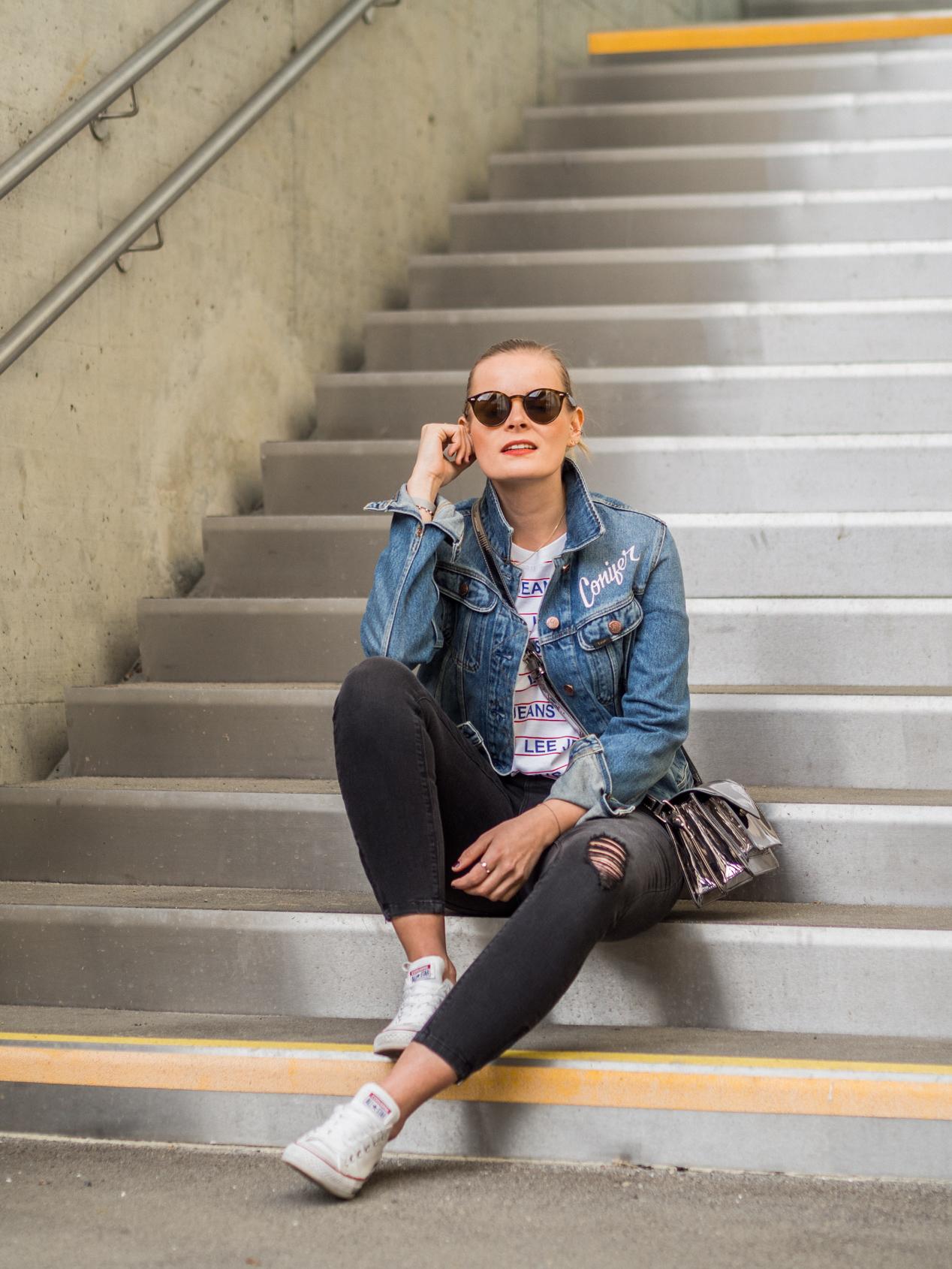 Jeansjacke kombinieren, converse kombinieren, logo shirt kombinieren, streetstyle, skinny jeans, converse, streetstyle, fashion, outfit, inspirtation, daily streetstyle, www.lakatyfox.com