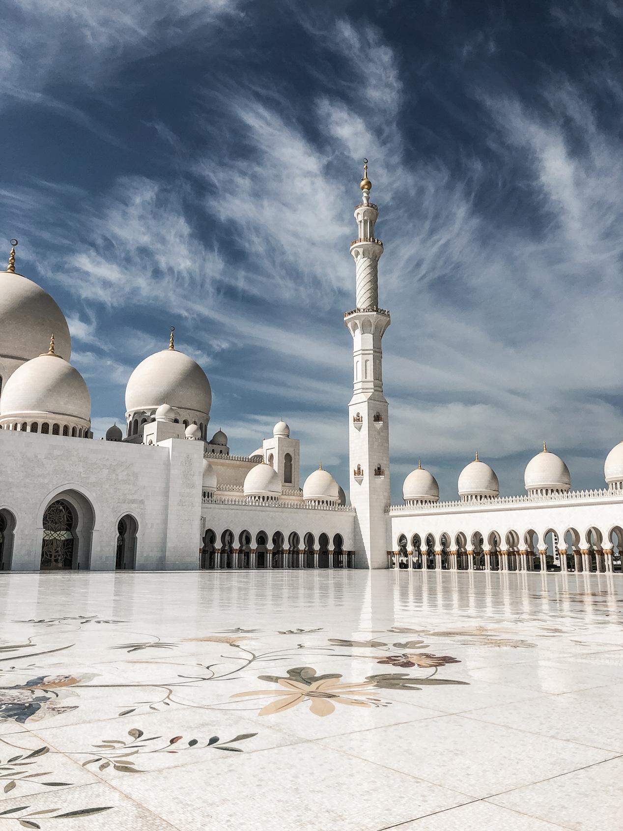 Travel, Abu Dhabi, Must see in Abu Dhabi, Dubai, Visit Abu Dhabi, Traveldiary, Reise nach Abu Dhabi, Was tun in Abu Dhabi, Travelblogger, www.lakatyfox.com, Scheich-Zayid-Moschee