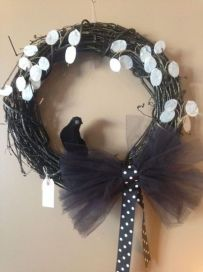 Halloween Wreath with black crow in middle