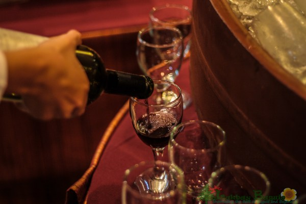 pouring-wine-buffet-baguio-city